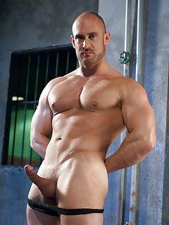 Gay Muscle Men Pics